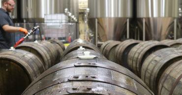 industria vinicola 370x194 - Limpieza y desinfección, bodegas vinícolas