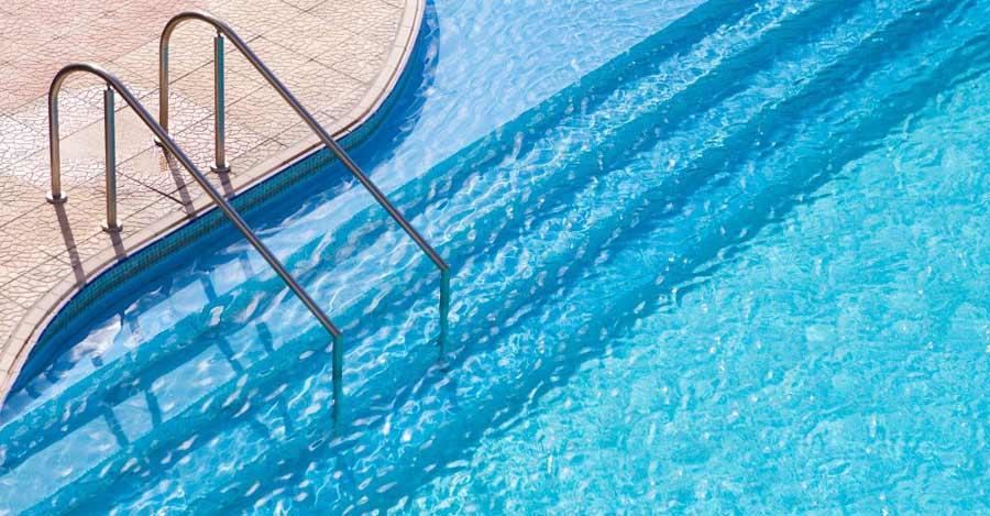 limpieza piscina - Mantenimiento de Piscinas